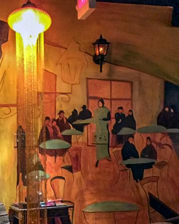 Bistrot Lepic & Wine Bar : Painting on the Wall