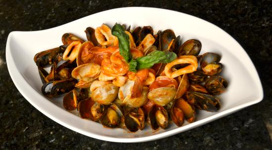 Наяк, Нью-Йорк: Seafood over linguini fra diavolo