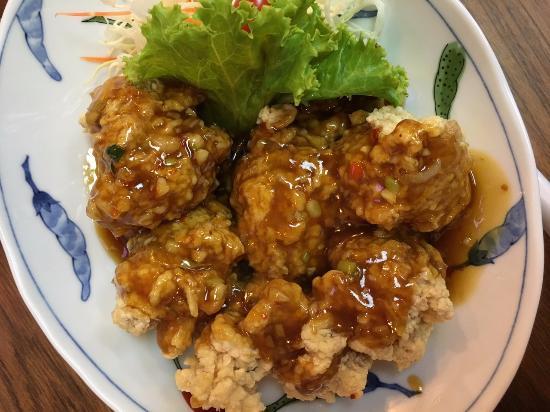 Ramen Tei: ไก่ทอดราดซอส
