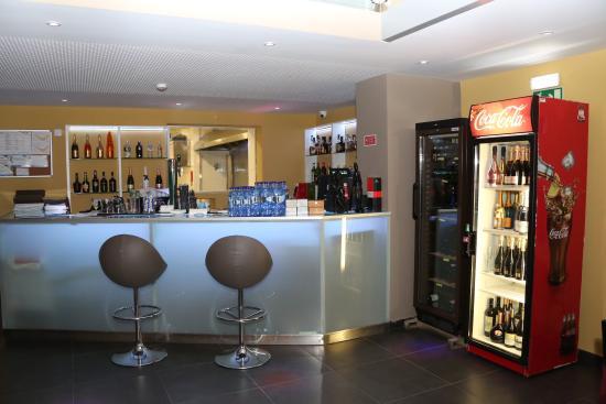 Casa da Morna & Semba: Bar