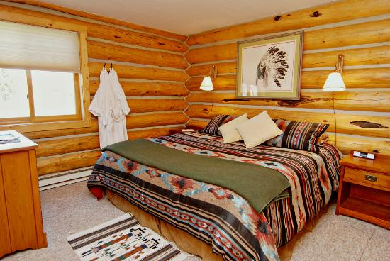 Red Rock Ranch: Cabin Bedroom