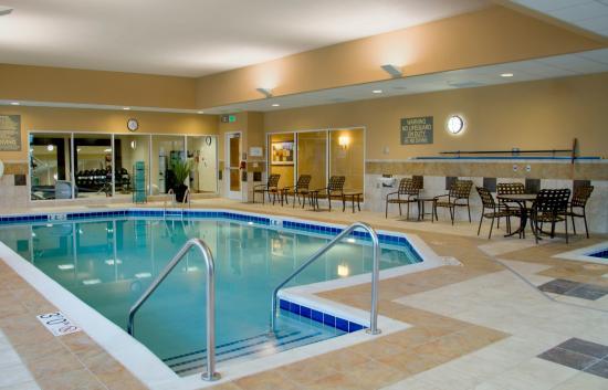 Homewood Suites Madison West: Pool