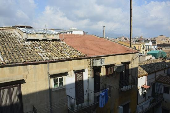 Liola Bed & Breakfast Palermo: View from the room