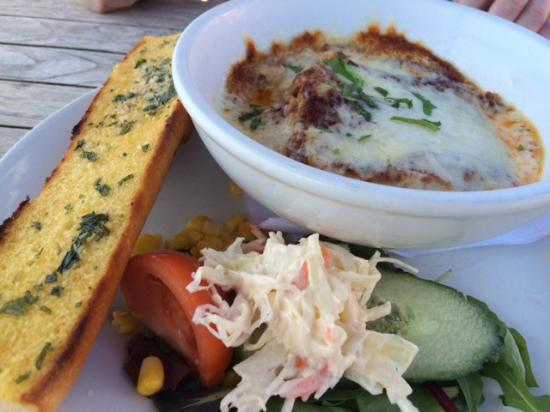 The Wayside: Lasagne and garlic bread
