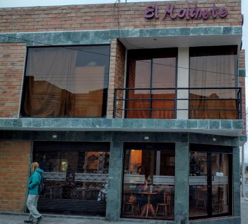 Atuntaqui, Ekuador: El Molinete - Great for Coffee, Burgers and Milkshakes.