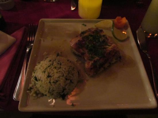 Juanito : Filé de dourado e arroz com brócolis: muito gostoso!