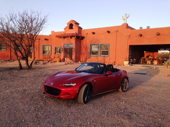 Saint David, AZ: Miata that drove to Down By the River B&B