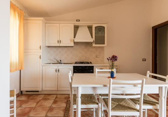 Soggiorno con angolo cottura - Picture of Residence Hotel ...