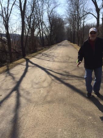 Holmes County Trail: Trail section from Millersburg to Killbuck in February