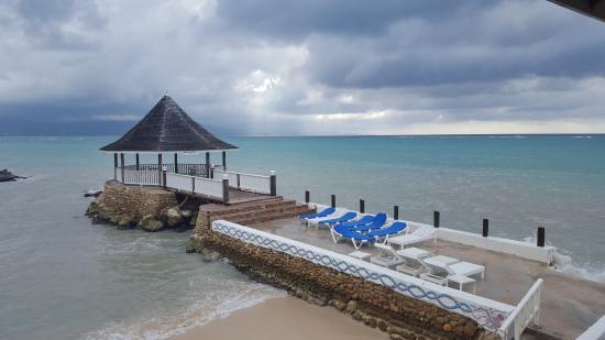Seagarden Beach Resort Windy Day Still Beautiful