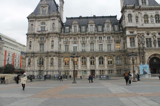 Place de l 39 h tel de ville picture of hotel de ville for Hotel de ville
