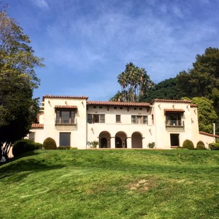 Glitterati Tours: One Of The Many Celebrity Homes And Famous Mansions Of  Hollywood And Beverly
