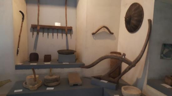 Bohol National Museum: Some old working materials and tools during the old era.
