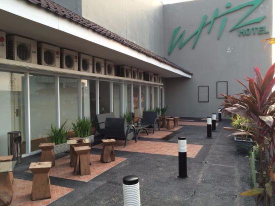 suasana sore hari di teras malioboro picture of whiz hotel rh tripadvisor ie