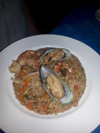 The Blue Shrimp: Oriental Seafood Rice with lost of seafood in it, much larger than the picture leads you to beli