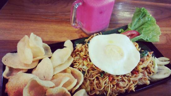 Pasar Tong Tong
