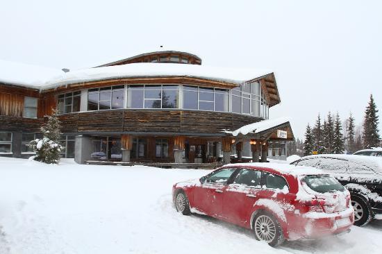 Lapland Hotel Yllaskaltio : Отель сбоку