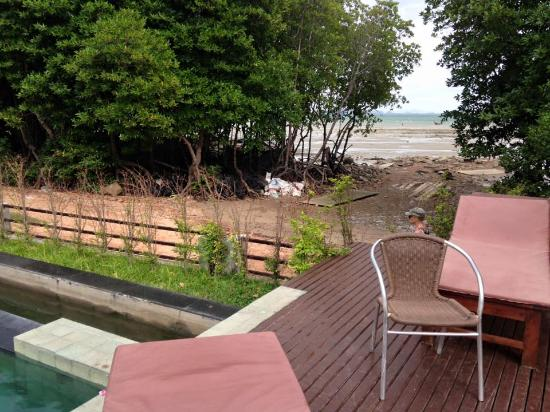 Bhu Nga Thani Resort and Spa: The ugly view from the pool
