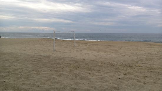 Laguna de Coyuca: Goalcage on the beach