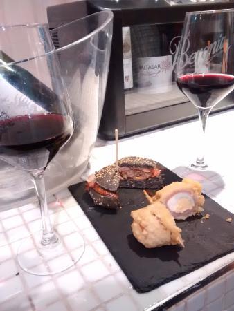 Ricos tapas & wine