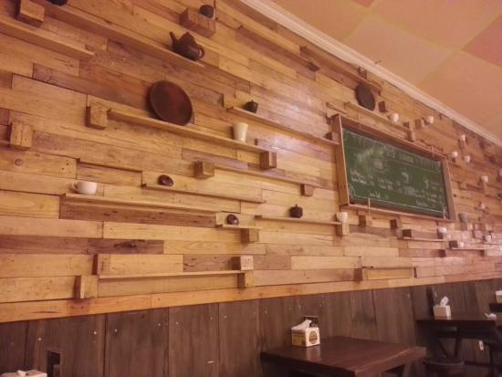 design dinding yang bagus picture of topping cafe malang