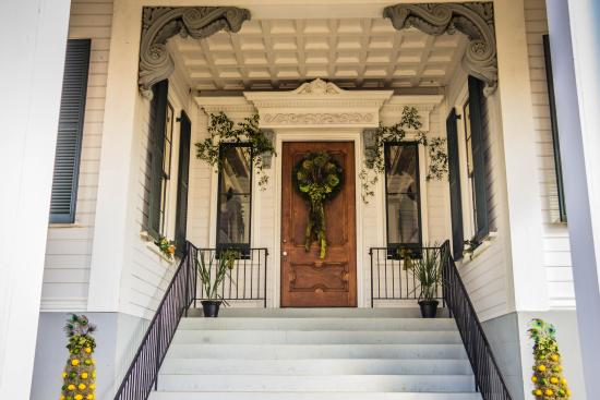 competitive price 4776b 06a64 Front door of Mansion - Picture of Kensington Mansion ...