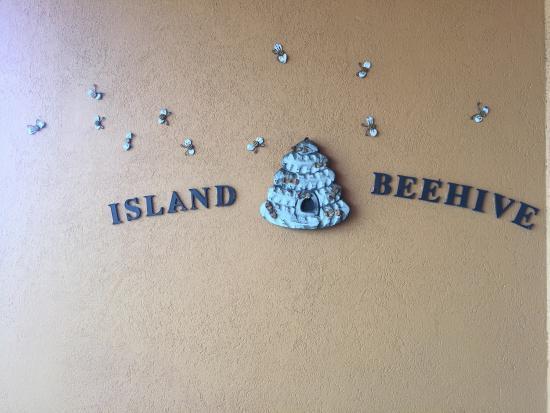 Island Beehive: photo1.jpg