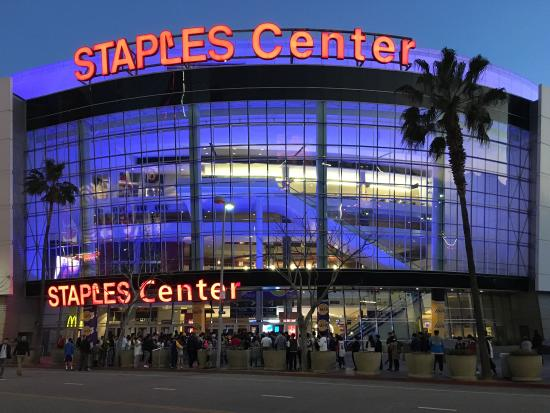 ‪Staples Center‬