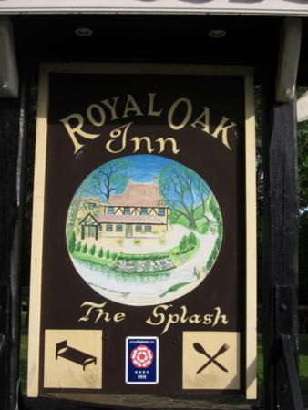 The Royal Oak Inn [The Splash]: Welcome Board