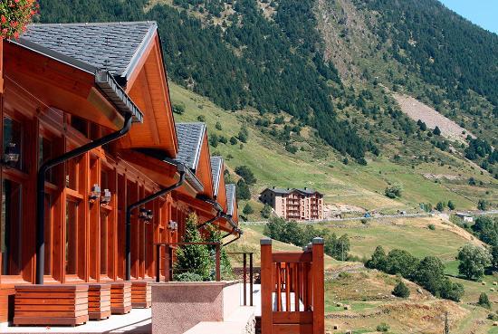 Sport Hotel Village: Vistas verano