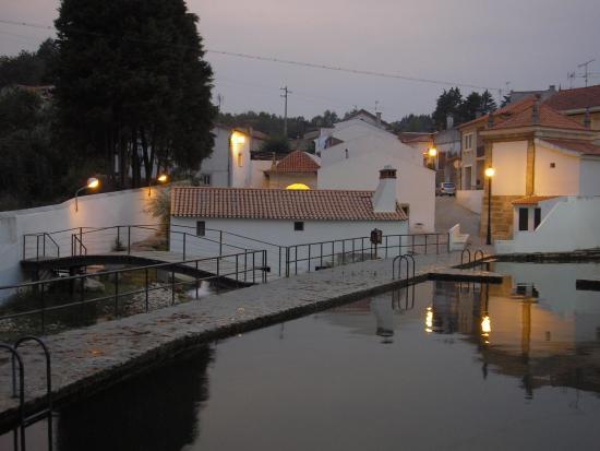 Piscina natura de an noite foto de piscina natural - Natura portugal ...