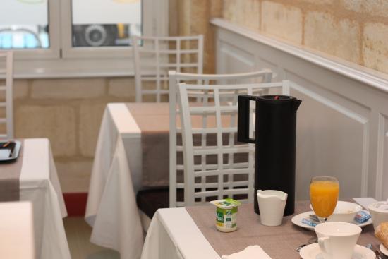 Hotel Des Voyageurs: salle petit déjeuner