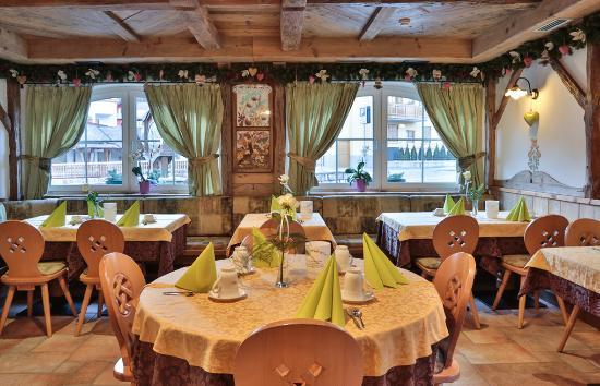 Alpino Family Hotel: in sala da pranzo