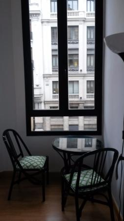 Hostal Montecarlo : Small terrace, part of the bedroom