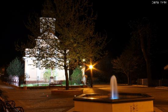Maglod, Magyarország: Szent István tér