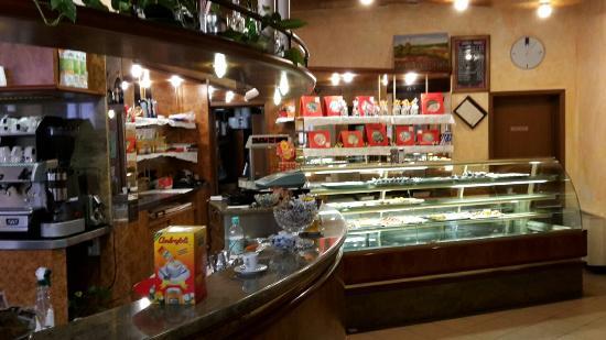San Felice sul Panaro, Италия: L'esterno e particolari dell'interno