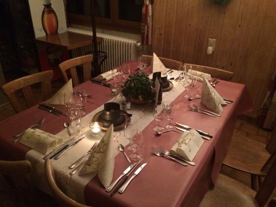 Le chaudron champ ry planachaux restaurant avis for Champery restaurant
