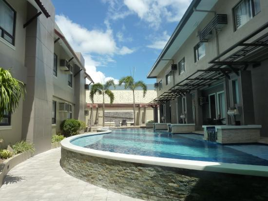 Photo of Circle Inn - Hotel & Suites Bacolod