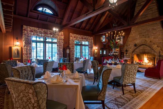 The Lodge at Glendorn: Dining Room