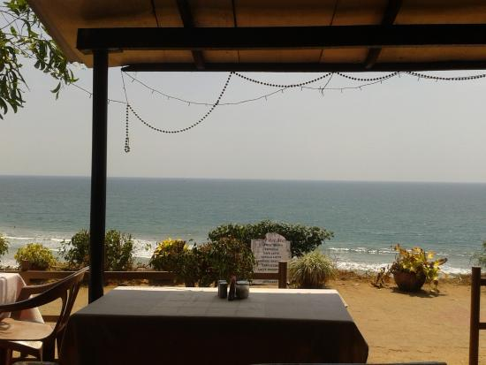 Hill View Beach Resort : view from one of the restaurants on the front