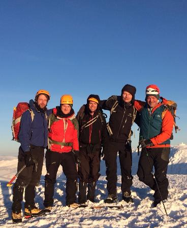 Cairngorm Adventure Guides: Group on top of Ben Nevis
