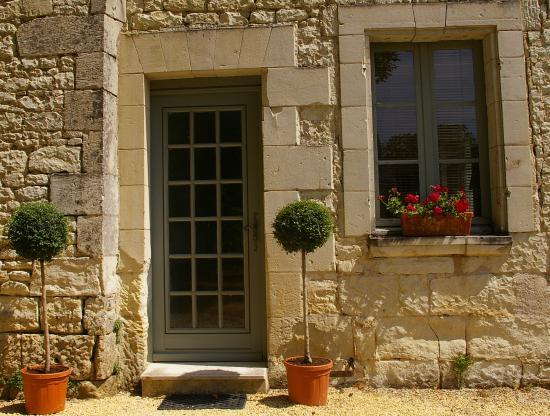 Monts-sur-Guesnes, France : L'Olivier -  gîte rural