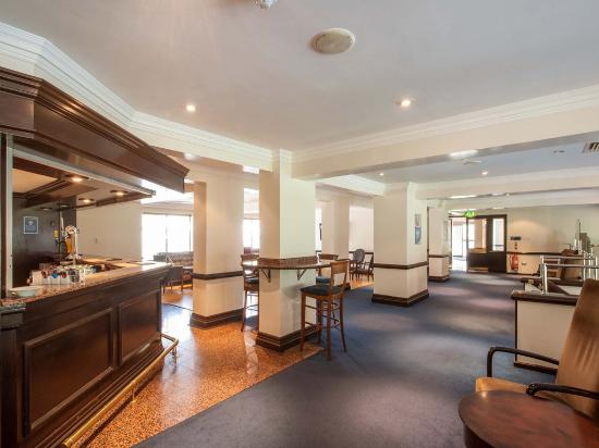 Travelodge Bath Waterside: Bar Cafe