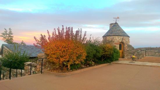 Sedalia, Colorado: Gorgeous castle and grounds