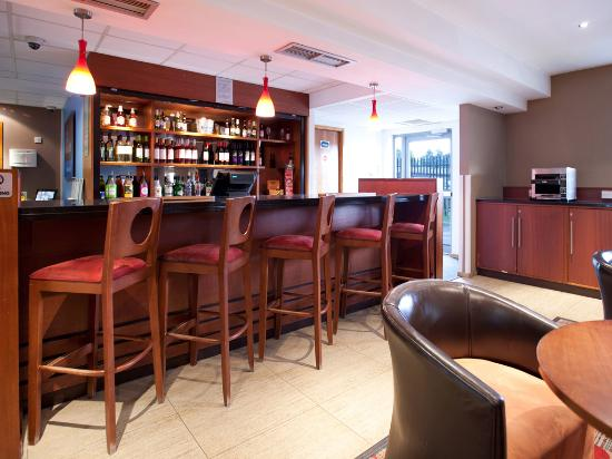 Travelodge Tewkesbury Hotel: Bar Cafe