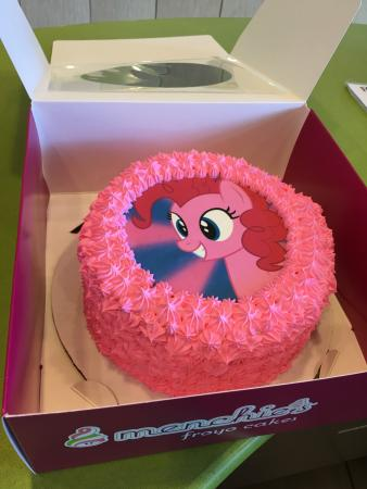 Menchies Cakes Review