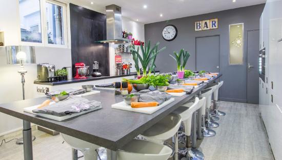 cours de cuisine entreprise en groupe picture of cour des createurs paris tripadvisor. Black Bedroom Furniture Sets. Home Design Ideas