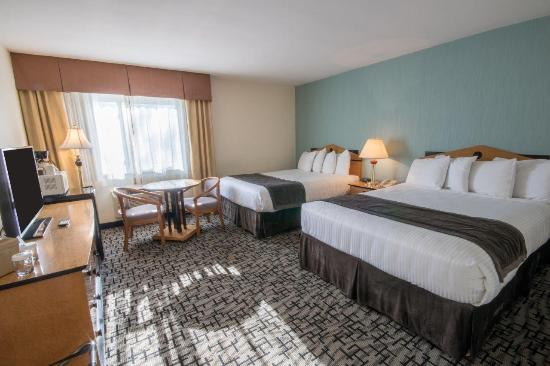 Groton Inn and Suites: 2 Queens (Standard)