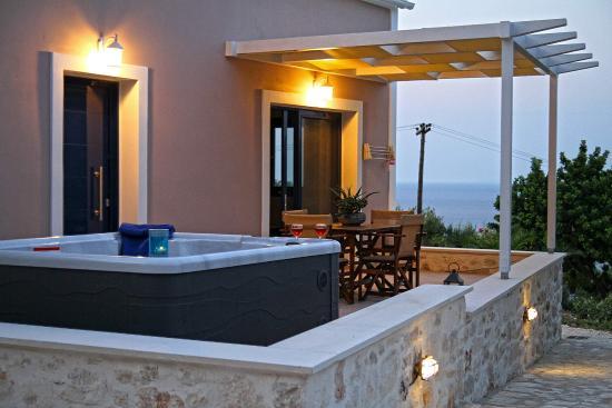 Villa Contessa: Deluxe Apartment - Terrace with Jacuzzi Spa andan amazing View