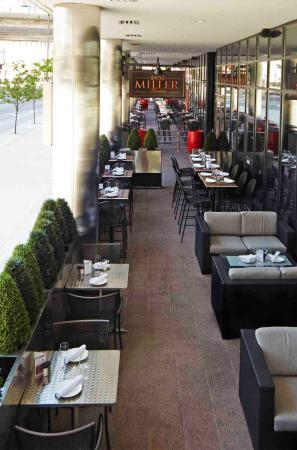 the patio picture of miller tavern on bay toronto tripadvisor rh tripadvisor ca